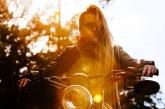 """Phụ nữ thời nay đi xe mô tô phân khối lớn """"như đúng rồi"""""""