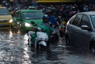 Để không gặp rắc rối khi sử dụng xe tay ga vào mùa mưa