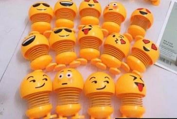 Cung Cấp Sỉ Và Lẻ Con Lắc Lò Xo Emoji